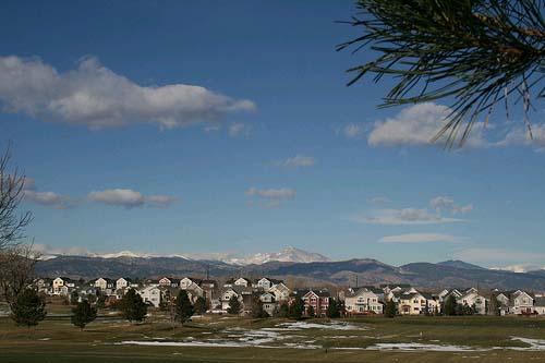 promociones-de-obra-nueva-en-madrid-edificio-plaza-lagos-azules-en-boadilla-del-monte