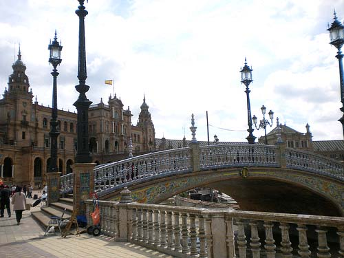 a-punto-de-reinaugurarse-la-plaza-de-espana-de-sevilla