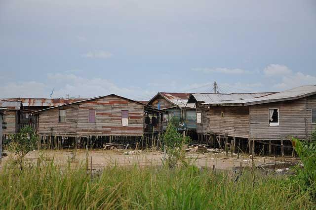 las-casas-de-la-azucarera-de-leon-en-la-cuerda-floja